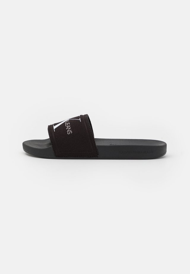 SLIDE MONOGRAM  - Matalakantaiset pistokkaat - black