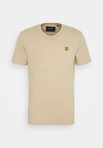 V NECK - Basic T-shirt - sand storm