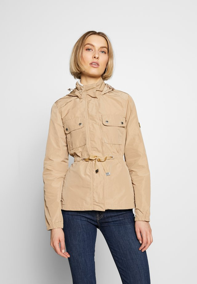 CURVEBALL CASUAL - Summer jacket - sahara