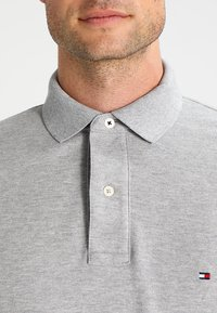 Tommy Hilfiger - PERFORMANCE REGULAR FIT - Polo shirt - cloud heather - 3
