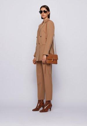 KRISTIN  - Across body bag - brown