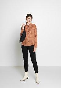 Blendshe - LINKA - Skjorte - mocha mousse - 1