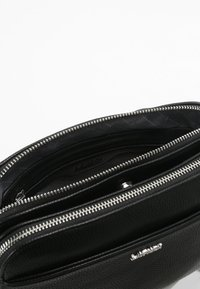L. CREDI - FABIENNE - Across body bag - schwarz - 3