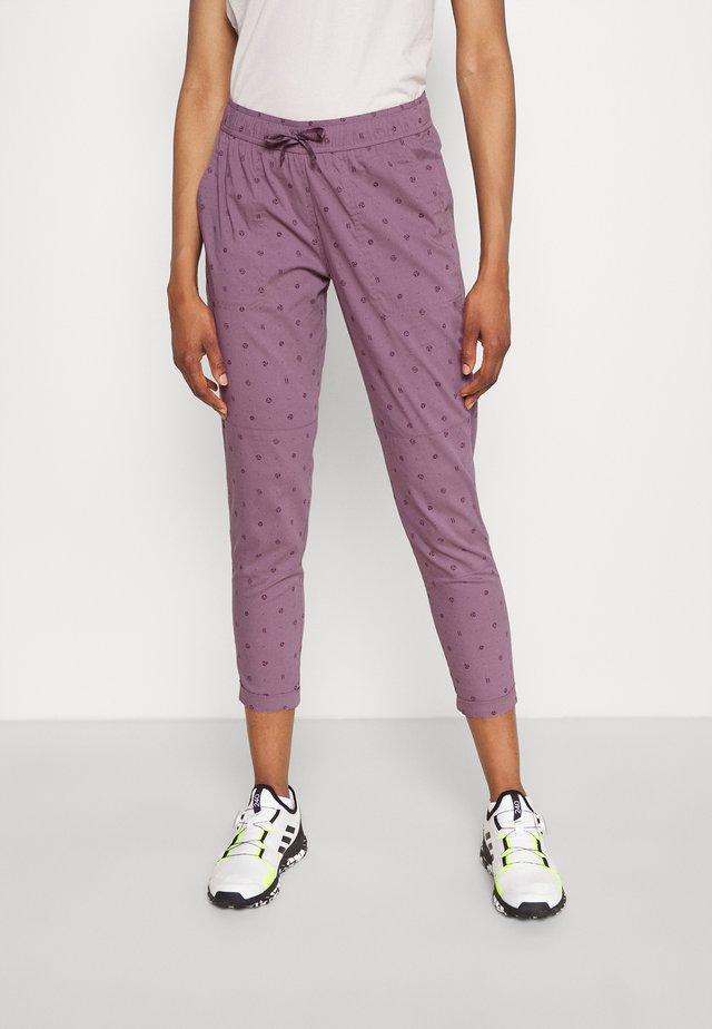 JOY DUSK LOGO DOT - Kalhoty - purple