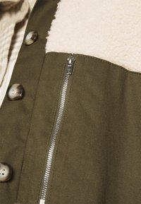 Freequent - FQVIVI - Light jacket - birch/olive - 4