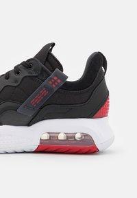 Jordan - MA2 - Trainers - black/university red/gym red/white - 5