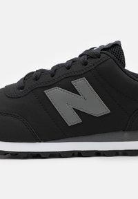 New Balance - 400 - Sneakersy niskie - black - 5