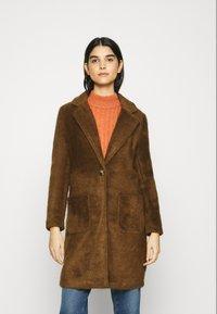 ONLY - ONLCLAIRE COAT - Klasický kabát - toasted coconut - 0