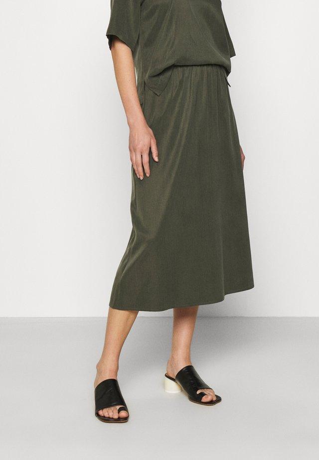RILBY - A-lijn rok - grün