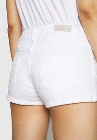 LTB - JUDIE - Shorts di jeans - white - 5