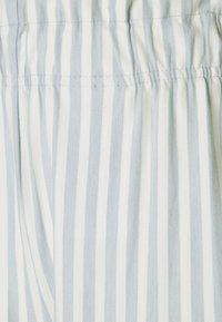 ONLY - ONLJOLLA - Shorts - faded denim/cloud dancer - 5