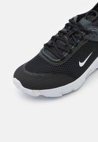 Nike Sportswear - REACT LIVE UNISEX - Trainers - black/white/dark smoke grey - 5