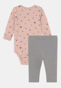 Lindex - MINI ANIMALS SET UNISEX - Leggings - Trousers - light dusty pink - 1