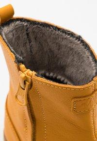 Viking - FAIRYTALE WP UNISEX - Zimní obuv - honey - 5