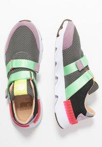 Sorel - KINETIC LITE STRAP - Sneakers laag - coal - 3