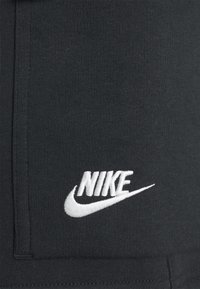Nike Sportswear - CLUB CARGO - Träningsbyxor - black - 5