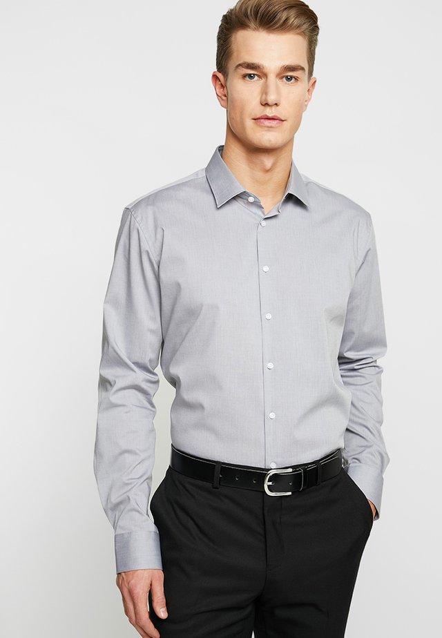 SLIM FIT - Finskjorte - grau