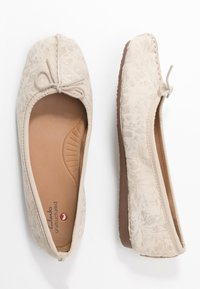 Clarks Unstructured - FRECKLE ICE - Ballet pumps - offwhite - 3