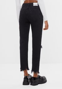 Bershka - Relaxed fit jeans - black - 2