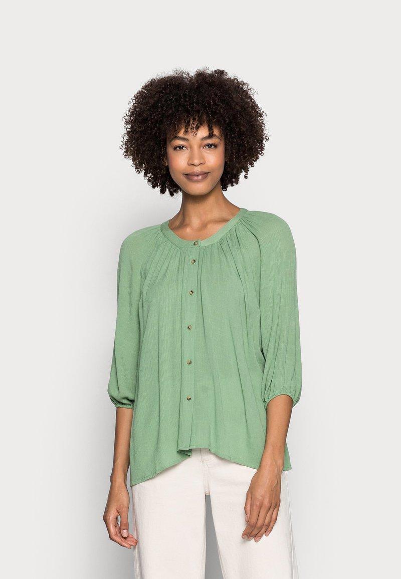 Esprit - BLOUSE - Bluser - leaf green