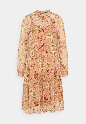 VMCILLE DRESS  - Vestido informal - auburn/cille