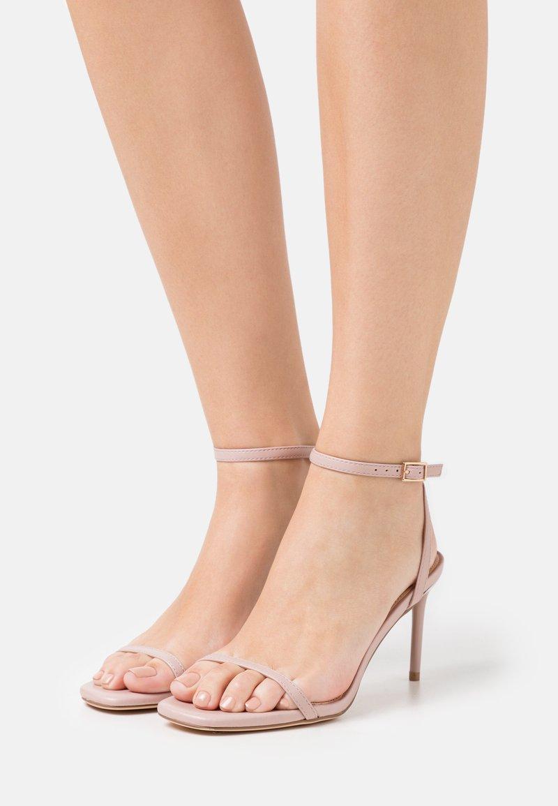 Even&Odd - Sandály na vysokém podpatku - light pink