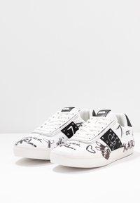 KARL LAGERFELD - SKOOL BANDANA LACE - Sneakers - white/black - 4