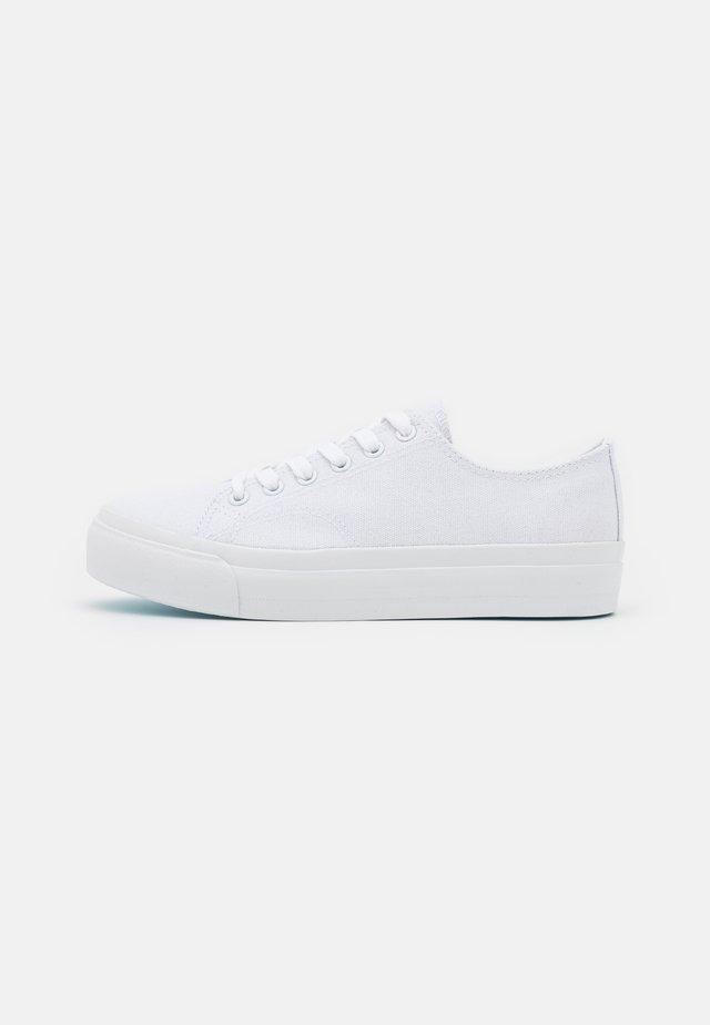 UNISEX - Zapatillas - white