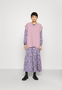 Résumé - CRUISE DRESS - Day dress - purple - 1