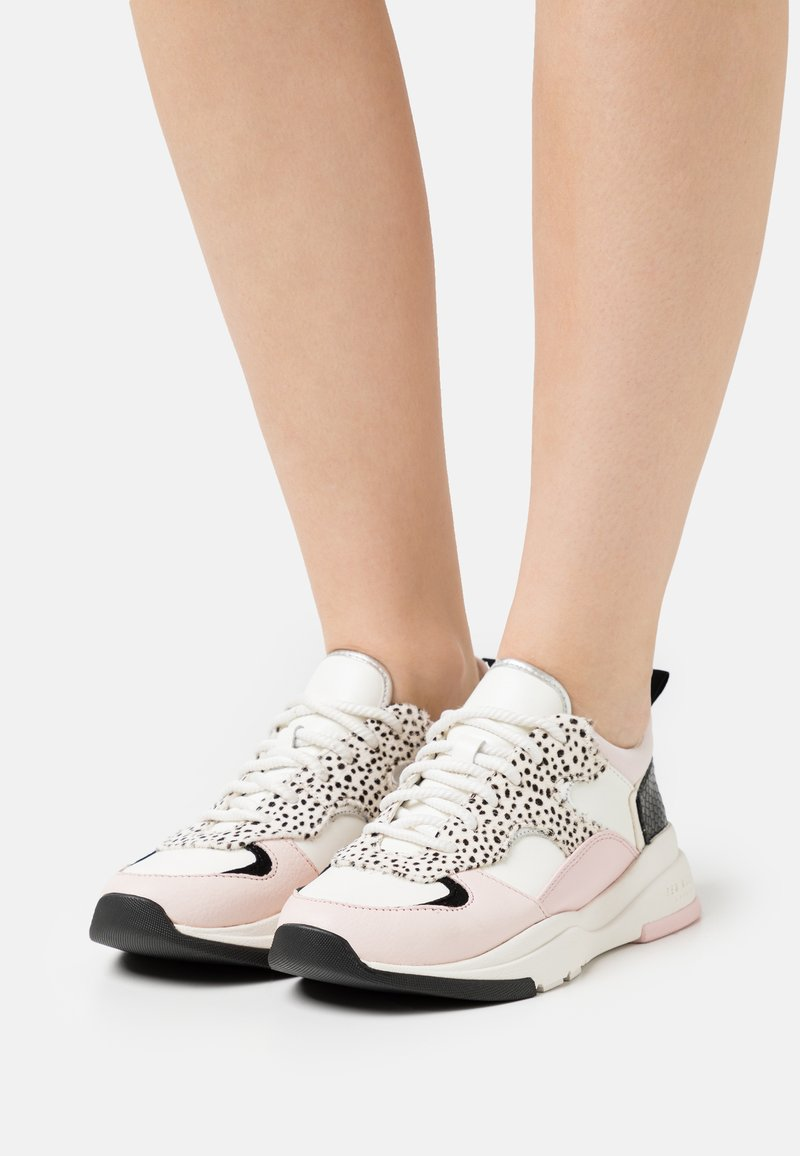Ted Baker - IZSLA - Trainers - white/pink