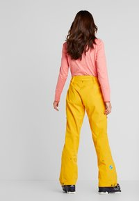 PYUA - RELEASE - Snow pants - pumpkin yellow - 2