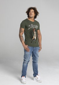 Liger - LIMITED TO 360 PIECES - VINCE RUARUS - CATBURGLAR - T-SHIRT PRINT - Print T-shirt - military green - 1