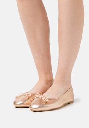 WIDE FIT ILKLEY - Bailarinas - rose gold