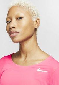 Nike Performance - CITY SLEEK - Camiseta de deporte - digital pink - 3