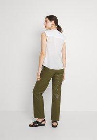 Pepe Jeans - ISLA - Print T-shirt - off white - 2