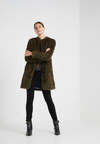 Steffen Schraut - VINTAGE FASHION COAT - Short coat - urban green - 1