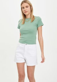 DeFacto - Denim shorts - white - 0