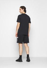 adidas Originals - UNISEX - Shortsit - black - 2
