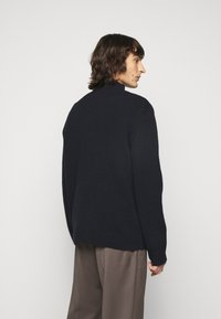 Filippa K - MIX TATE TURTLENECK  - Jumper - navy - 2