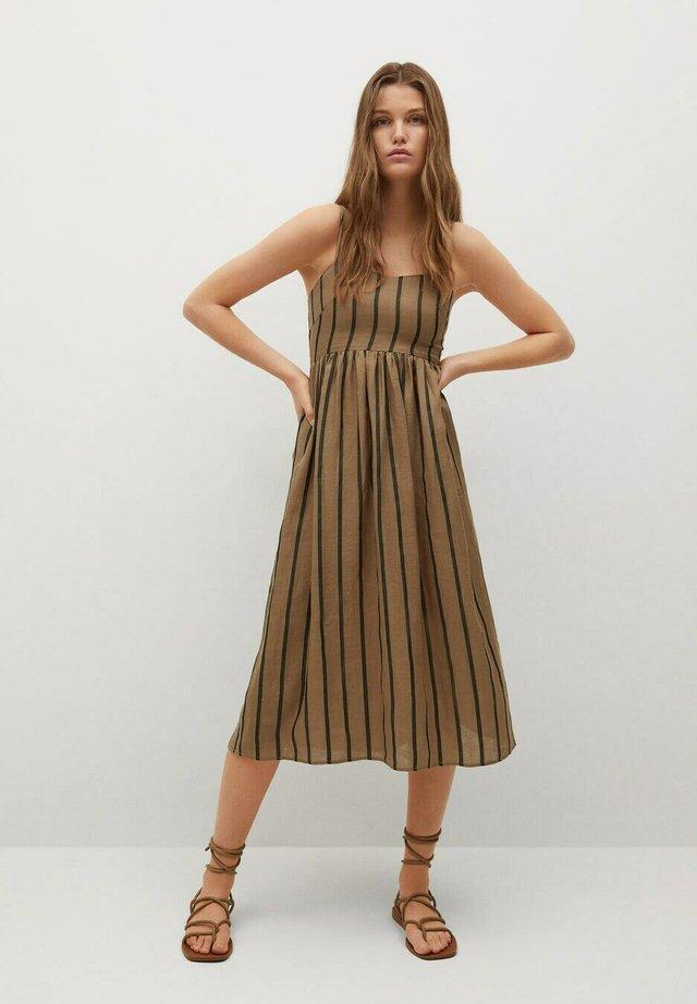 Sukienka letnia - marrón