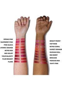 Bobbi Brown - LUXE LIP COLOR - Lipstick - color crimson - 7