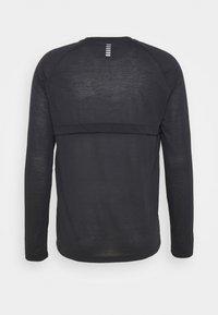 Under Armour - STREAKER  - Langærmede T-shirts - black - 7