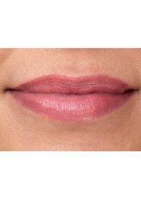 IsaDora - TWIST-UP GLOSS STICK - Gloss - lovely lavender - 2