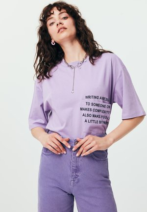 T-shirt print - lilac