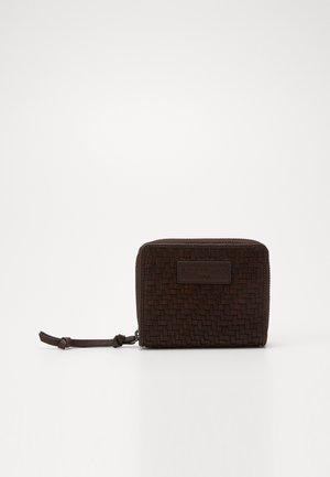 SECONNYA - Wallet - deep mahogany
