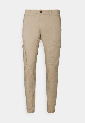 JJIPAUL JJFLAKE - Trousers - crockery