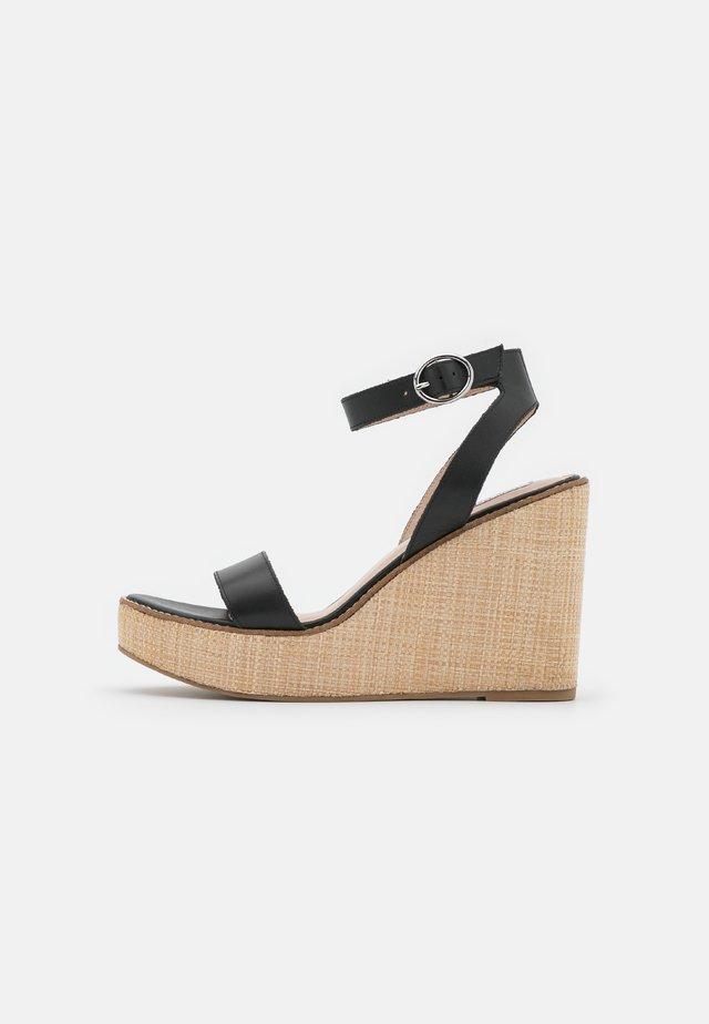 SINDEE - Sandalen met plateauzool - black