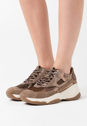 KIRYA - Zapatillas - dark beige