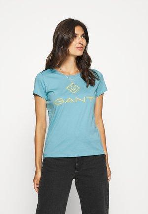 COLOR LOCK UP - Print T-shirt - seafoam blue