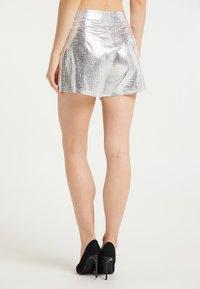 faina - Shorts - silber - 2
